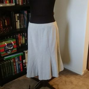 Light gray business skirt
